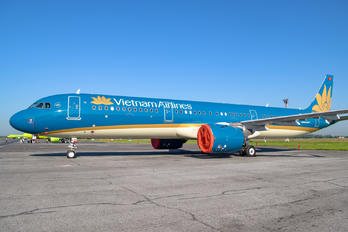VN-A625 - Vietnam Airlines Airbus A321 NEO