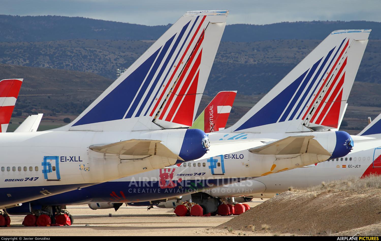 Transaero Airlines EI-XLL aircraft at Teruel