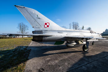 1801 - Poland - Air Force Mikoyan-Gurevich MiG-21PF