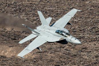 166926 - USA - Navy McDonnell Douglas F/A-18F Super Hornet