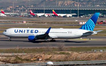 N656UA - United Airlines Boeing 767-300ER