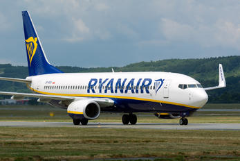 SP-RSV - Ryanair Sun Boeing 737-8AS