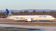 N16008 - United Airlines Boeing 787-10 Dreamliner aircraft