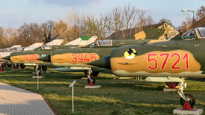 5721 - Hungary - Air Force Mikoyan-Gurevich MiG-21bis