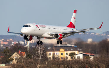 OE-LWK - Austrian Airlines/Arrows/Tyrolean Embraer ERJ-195 (190-200)
