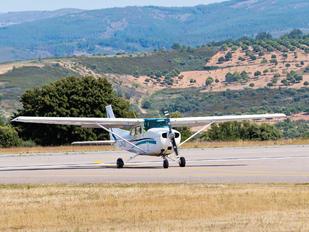 CS-AUD - Aero Club do Porto Cessna 172 Skyhawk (all models except RG)