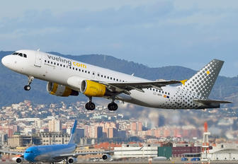 EC-MBM - Vueling Airlines Airbus A320