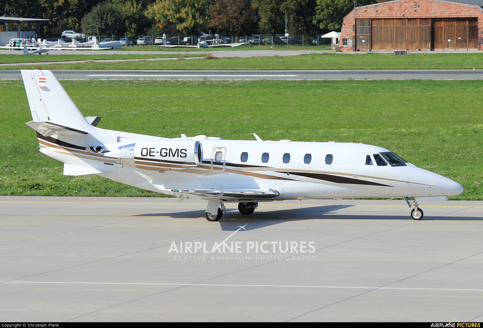 Avcon Jet OE-GMS aircraft at Innsbruck