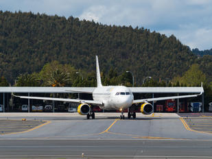 EC-MES - Vueling Airlines Airbus A320