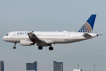 N476UA - United Airlines Airbus A320
