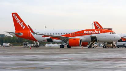 G-UZHK - easyJet Airbus A320 NEO