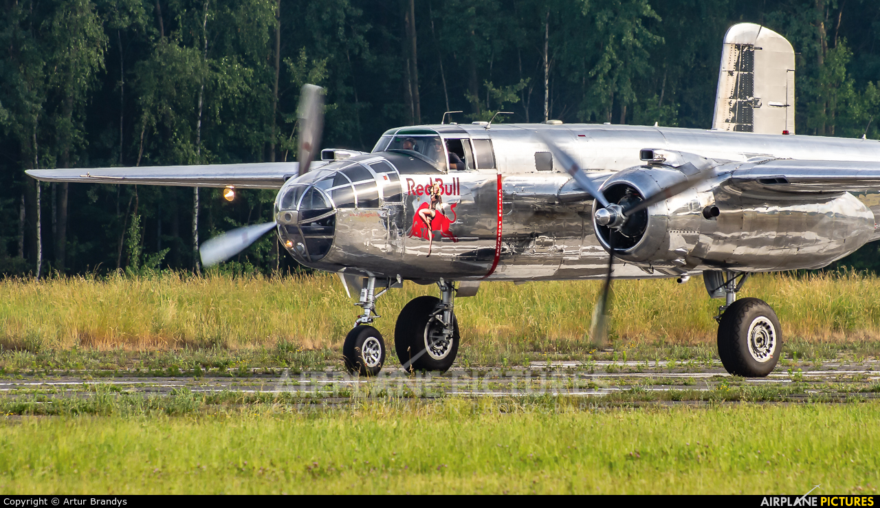The Flying Bulls N6123C aircraft at Katowice Muchowiec