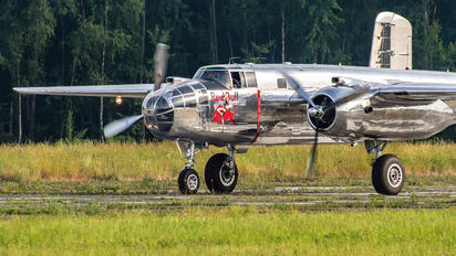 N6123C - The Flying Bulls North American B-25J Mitchell