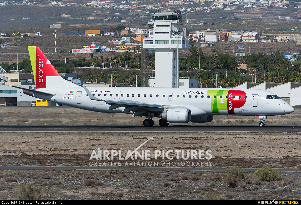 TAP Express CS-TPT aircraft at Tenerife Sur - Reina Sofia