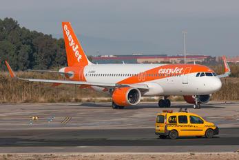 G-UZHG - easyJet Airbus A320