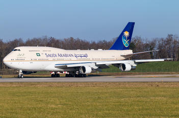HZ-HM1A - Saudi Arabia - Royal Flight Boeing 747-300