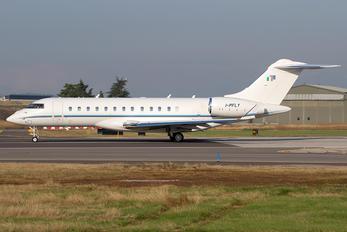 I-PFLY - Albinati Aéronautics Bombardier BD-700 Global 6000