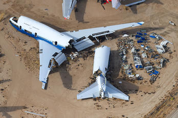 N198UA - United Airlines Boeing 747-400