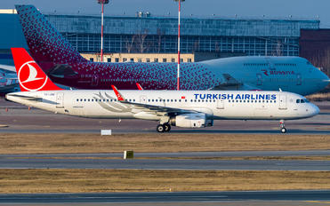 TC-JSV - Turkish Airlines Airbus A321