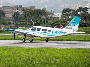 HK-2441 - Private Piper PA-34 Seneca
