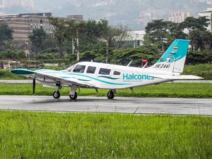 HK-2441 - Private Piper PA-34 Seneca
