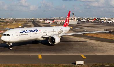 TC-LKC - Turkish Airlines Boeing 777-300ER