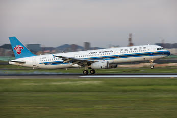 B-6443 - China Southern Airlines Airbus A321