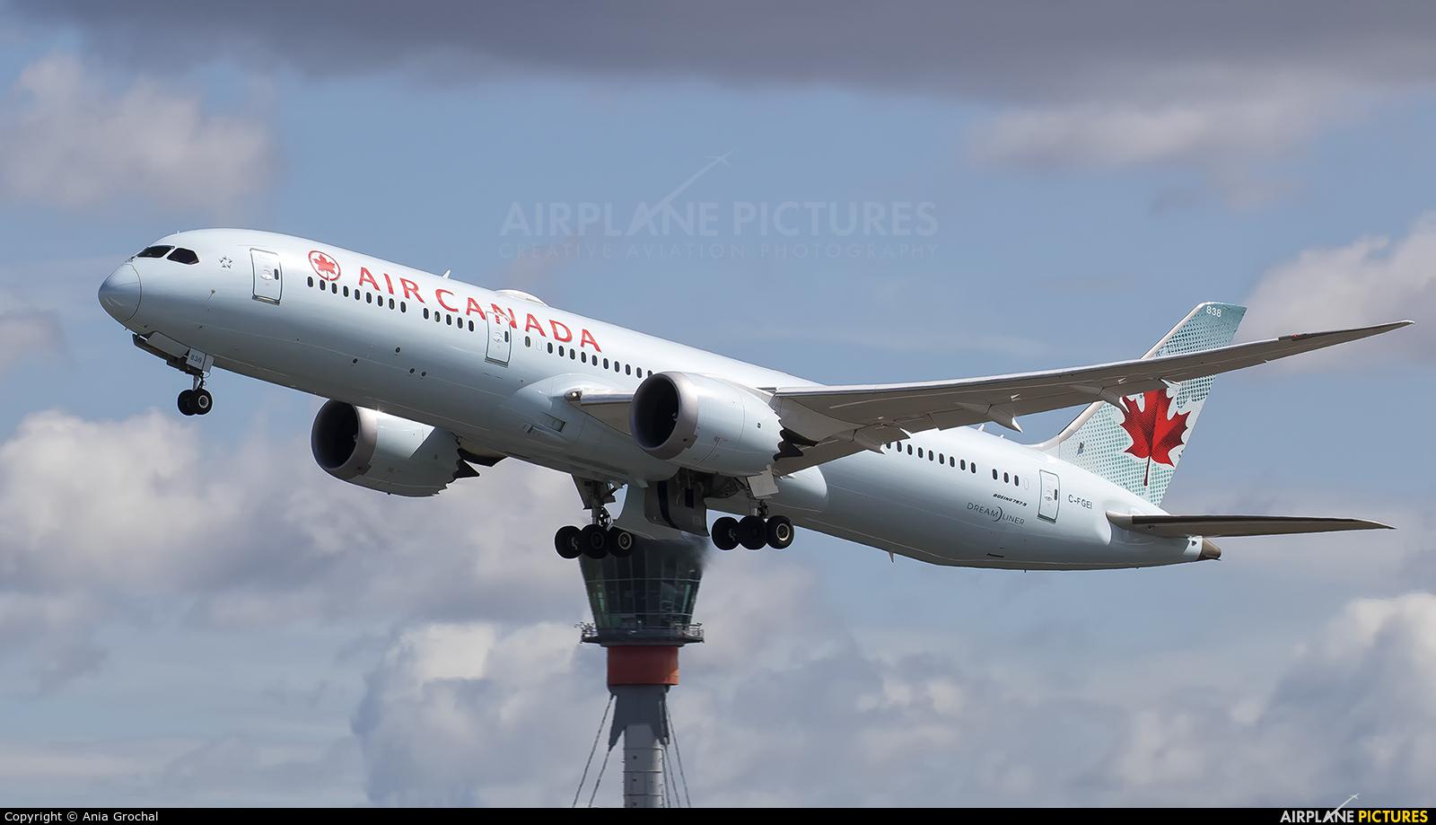Air Canada C-FGEI aircraft at London - Heathrow