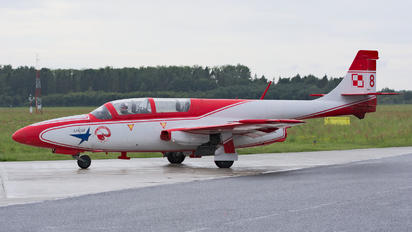 3H-2004 - Poland - Air Force: White & Red Iskras PZL TS-11 Iskra