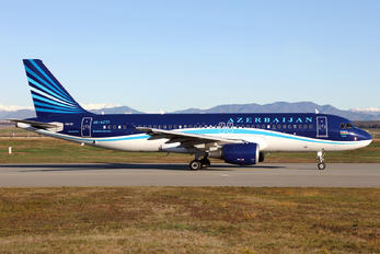 4K-AZ77 - Azerbaijan Airlines Airbus A320