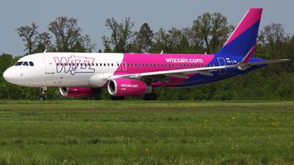 HA-LYW - Wizz Air Airbus A320