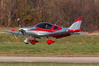 I-D200 - Private Bristell NG5 Speed Wing