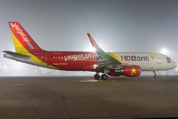 VN-A671 - VietJet Air Airbus A320