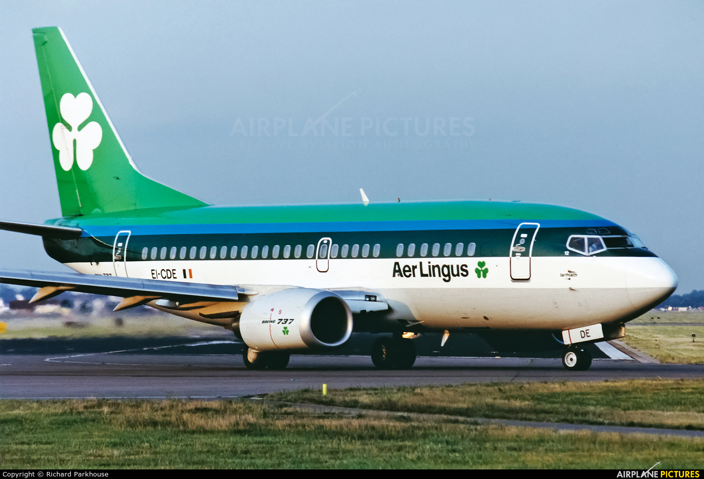 Aer Lingus EI-CDE aircraft at London - Gatwick