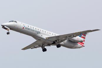 N681AE - American Eagle Embraer EMB-145