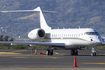N500QA - Private Bombardier BD-700 Global 5000