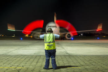 PR-GXF - GOL Transportes Aéreos  Boeing 737-800