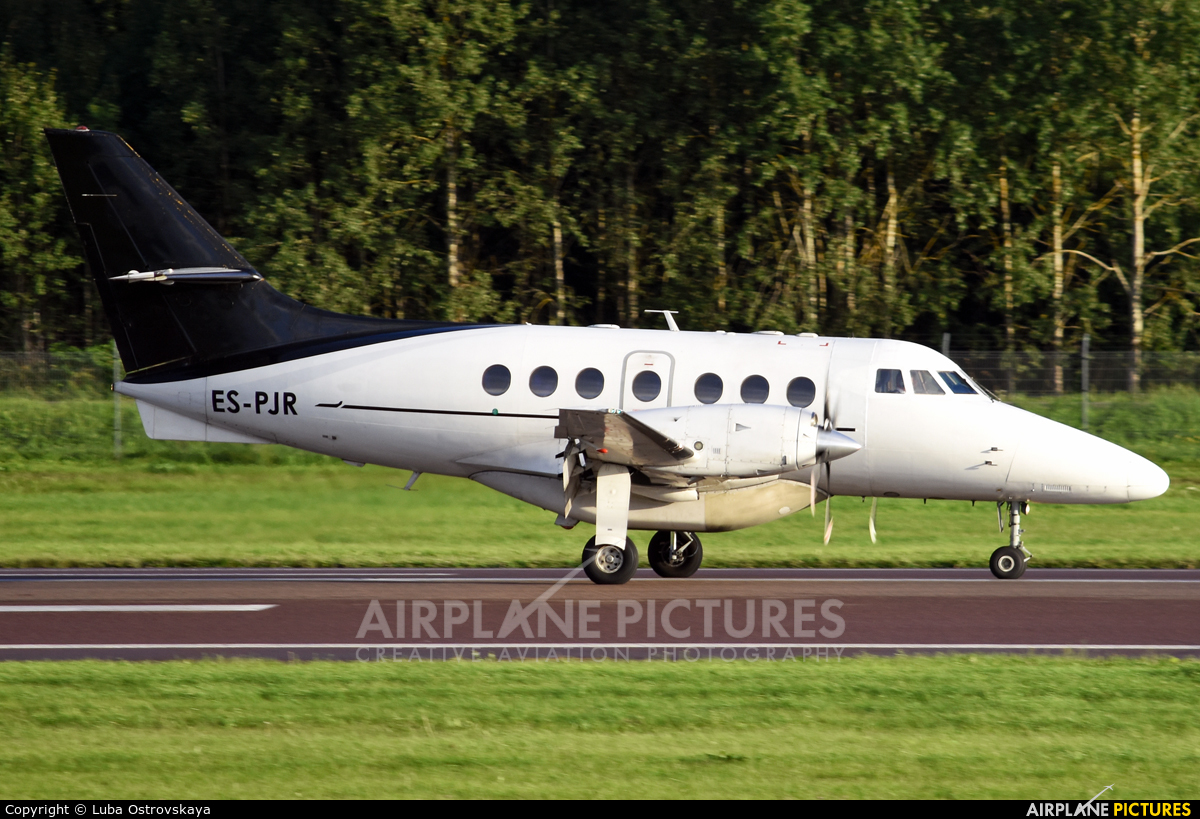 Avies ES-PJR aircraft at Tallinn