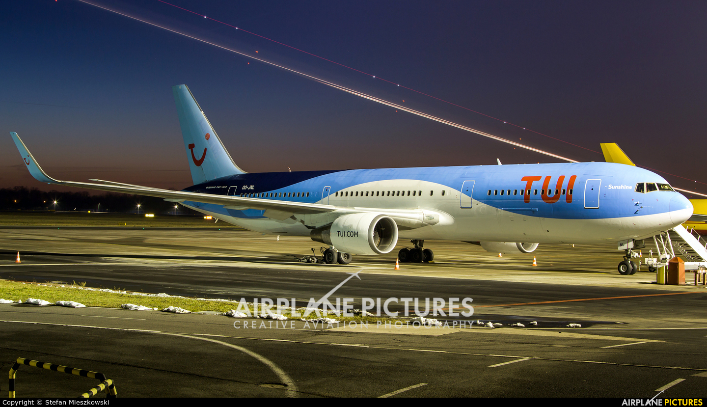 TUI Airlines Belgium OO-JNL aircraft at Warsaw - Frederic Chopin