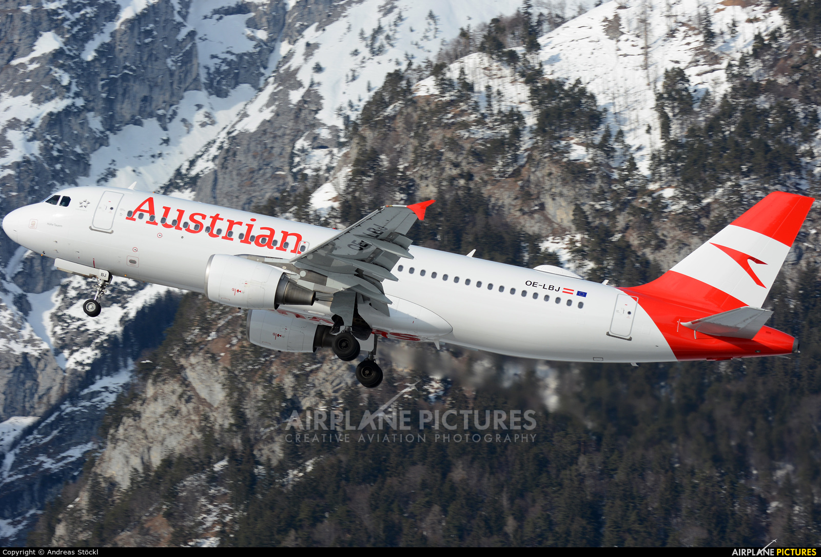 Austrian Airlines/Arrows/Tyrolean OE-LBJ aircraft at Innsbruck