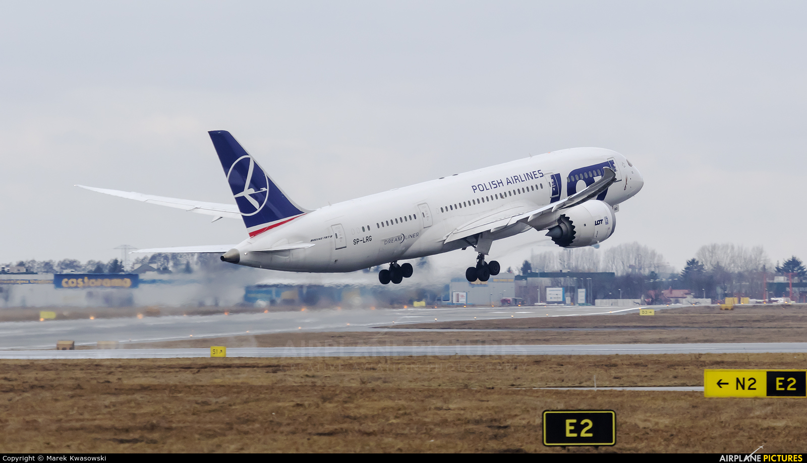 LOT - Polish Airlines SP-LRG aircraft at Warsaw - Frederic Chopin