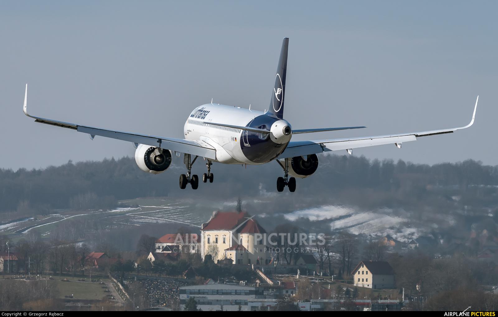 Lufthansa D-AINO aircraft at Kraków - John Paul II Intl