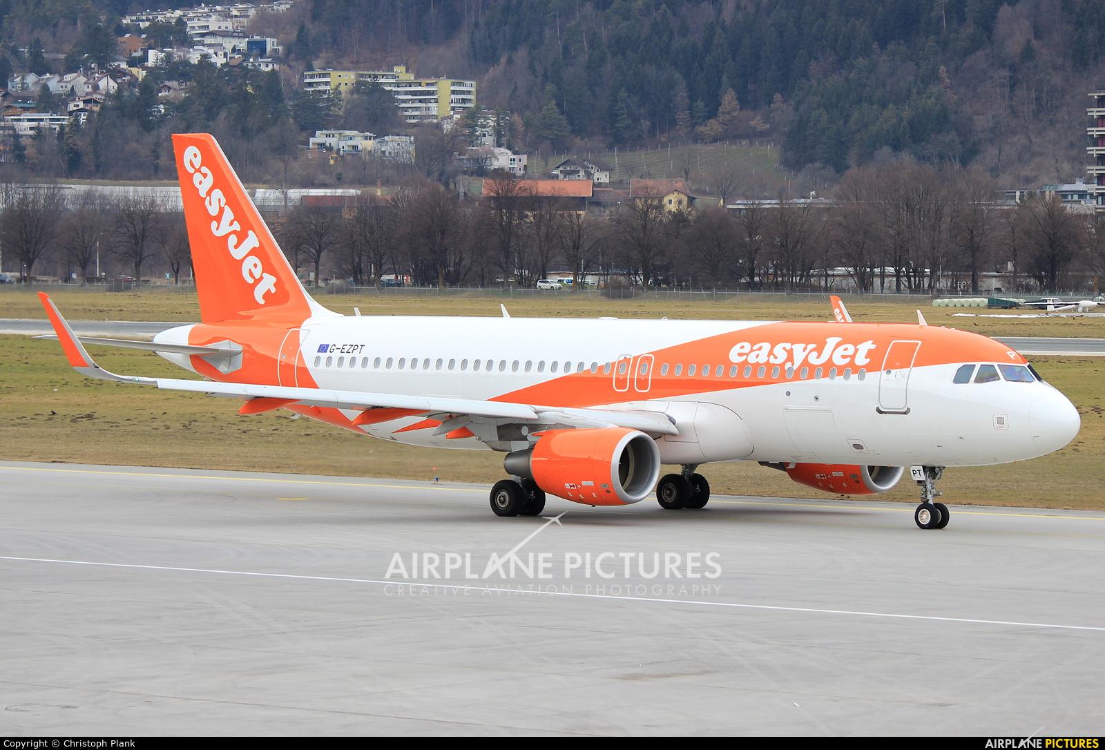 easyJet G-EZPT aircraft at Innsbruck