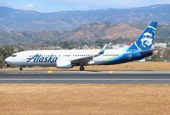 N579AS - Alaska Airlines Boeing 737-800