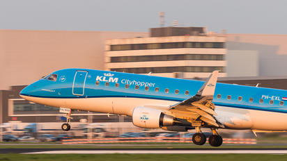 PH-EXL - KLM Cityhopper Embraer ERJ-175 (170-200)