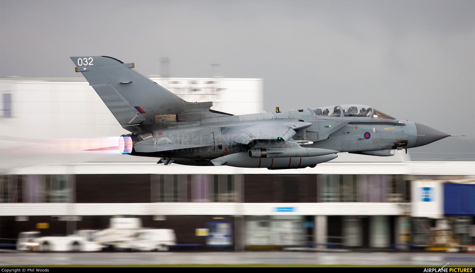 Royal Air Force ZA413 aircraft at Cardiff
