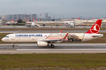 TC-JTP - Turkish Airlines Airbus A321