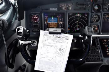 PR-GEA - GOL Transportes Aéreos  Boeing 737-700