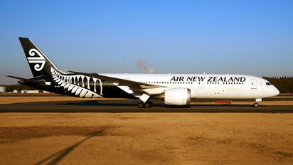 ZK-NZI - Air New Zealand Boeing 787-9 Dreamliner
