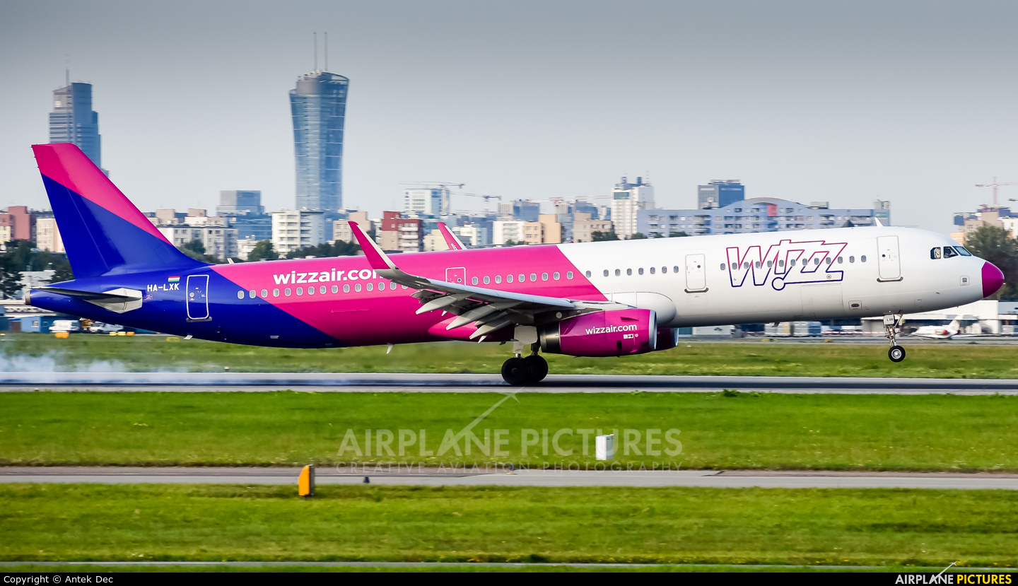 Wizz Air HA-LXK aircraft at Warsaw - Frederic Chopin